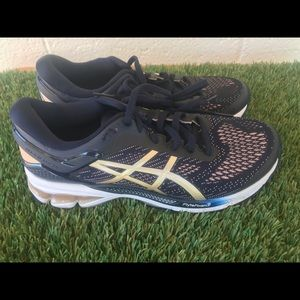 Women's Asics Kayano 26 Running shoes sz 8.5